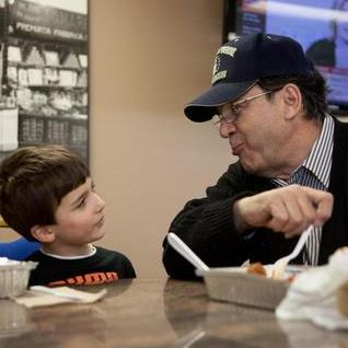 Market owner gives back to veterans, public safety workers